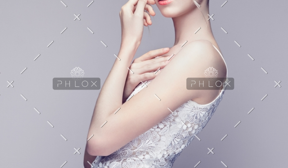 fashion-portrait-of-beautiful-young-woman-with-PWDB8UR